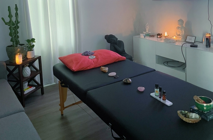 The Healing Power of Reiki: My Session with KaraGumiela